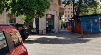Appio Latino -LICENZA COMMERCIALE PER ATTIVITA' ALIMENTARE-